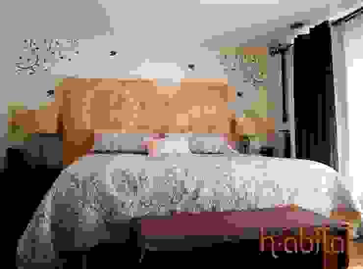 Vinil Decortavio en Recámra Principal de H-abitat Diseño & Interiores Moderno