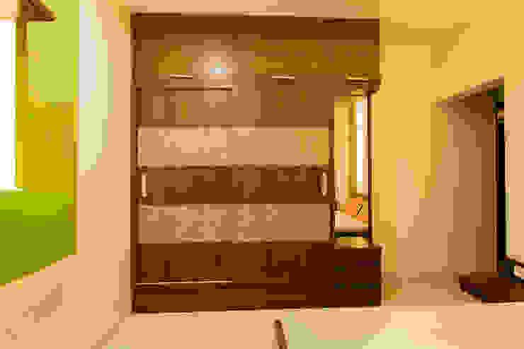 Navmiti Designs СпальняШафи і шафи