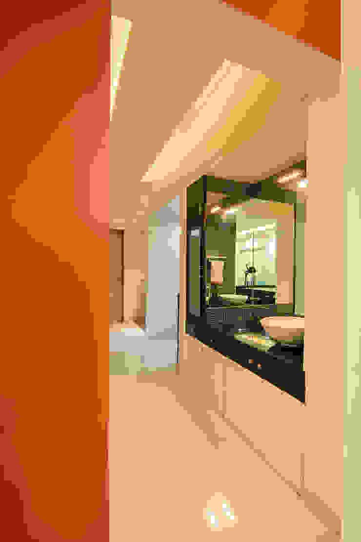 Navmiti Designs Коридор, коридор і сходиГачки для одягу та стенди
