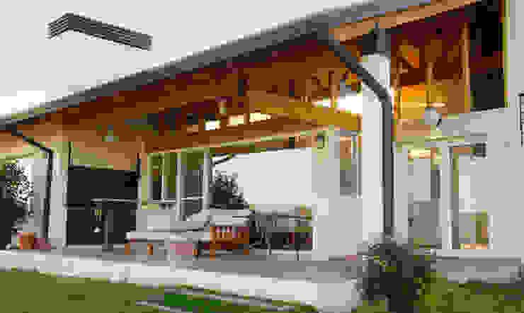 Casa Lago Casas modernas por renziravelo Moderno