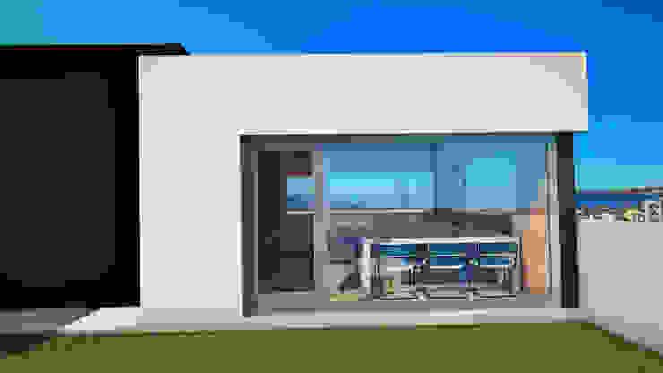 Edificio The Block GGAL Estudio de Arquitectura Modern style balcony, porch & terrace