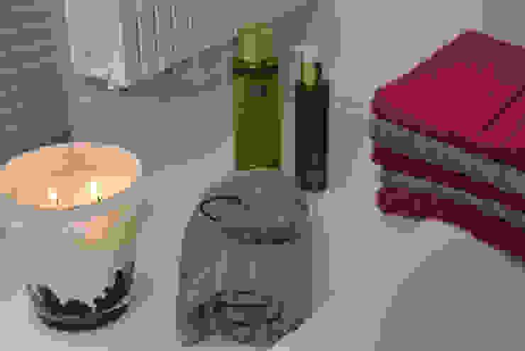 Bathroom: modern  door Groothandel in decoratie en lifestyle artikelen, Modern