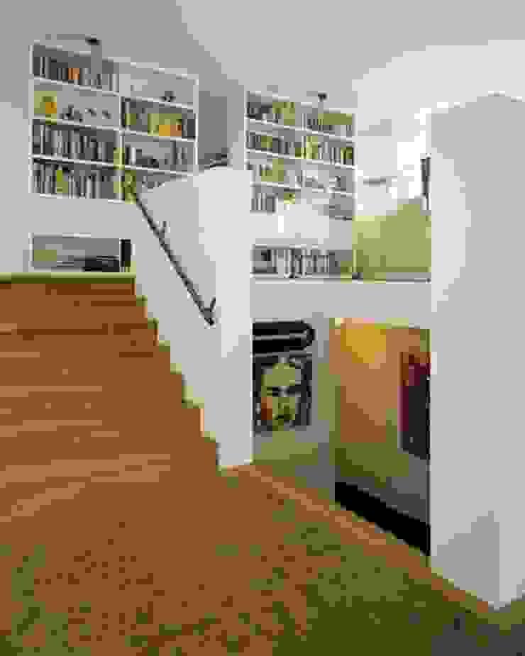 Woonhuis Som Moderne woonkamers van bv Mathieu Bruls architect Modern