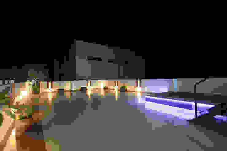 Terrace Modern balcony, veranda & terrace by Ansari Architects Modern
