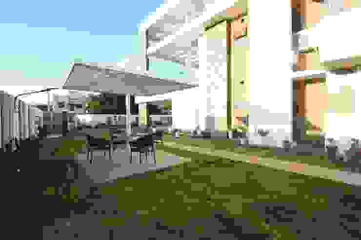 Garden Patio Modern garden by Ansari Architects Modern