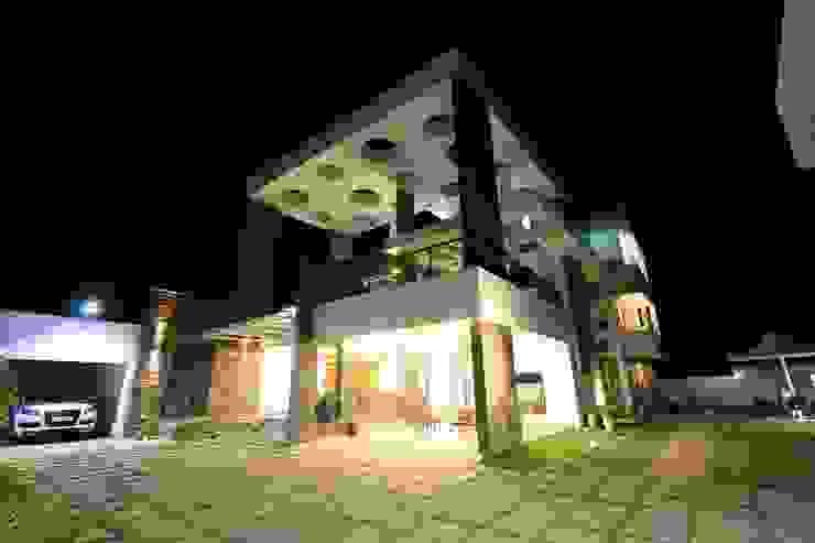 Casas modernas de Ansari Architects Moderno
