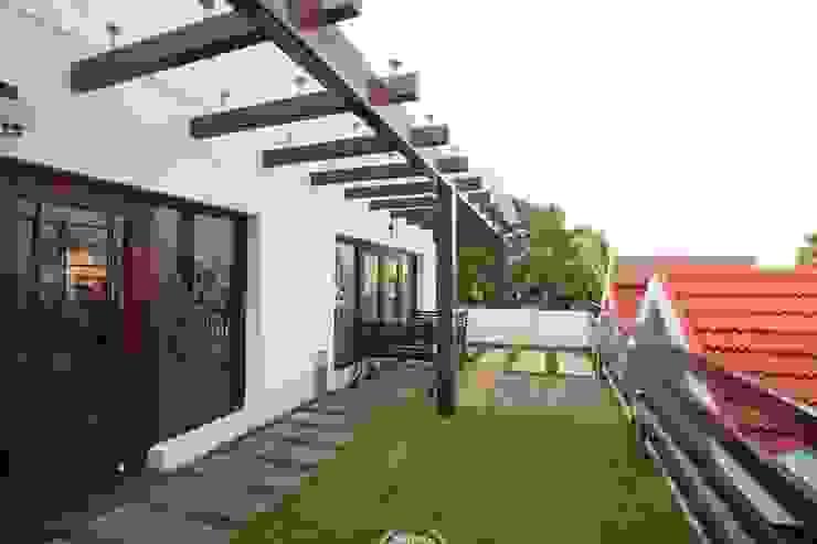 Terrace garden Modern garden by Ansari Architects Modern