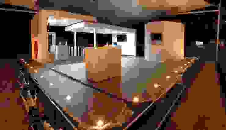 Stand de vendas de Merchandising Escritórios modernos por Espaço de Arquiteto Moderno