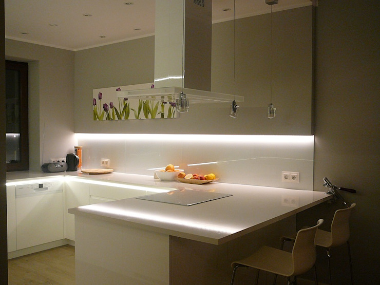 Minimalist kitchen by Korin Design Minimalist MDF