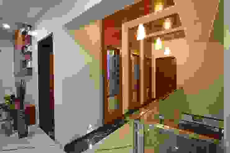 Ansari Architects Ingresso, Corridoio & Scale in stile moderno
