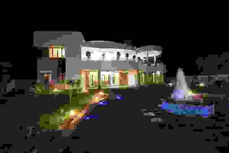 Exterior Modern Garden by Ansari Architects Modern