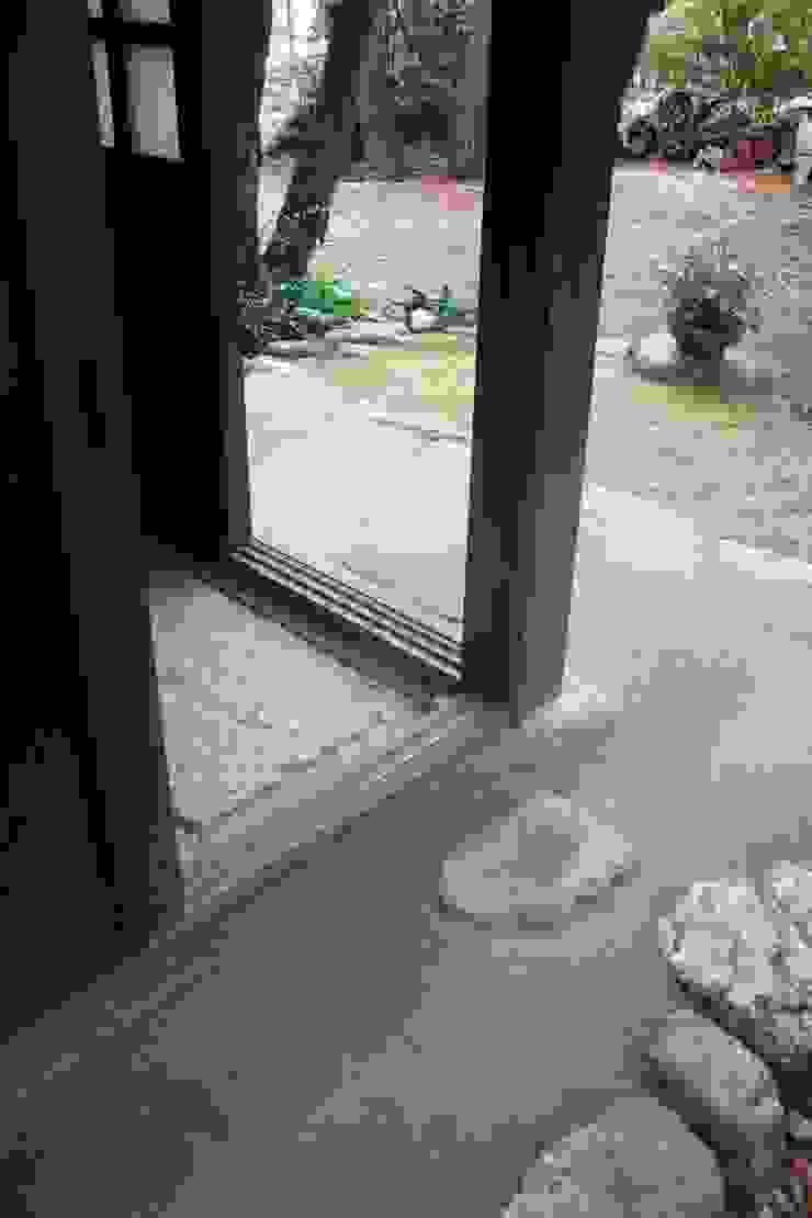 有明K邸 庭のクニフジ Giardino moderno