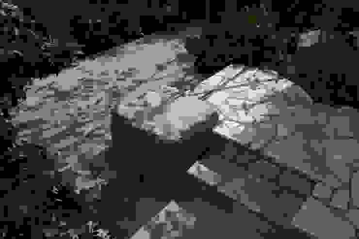 松本Km邸 Modern style gardens by 庭のクニフジ Modern