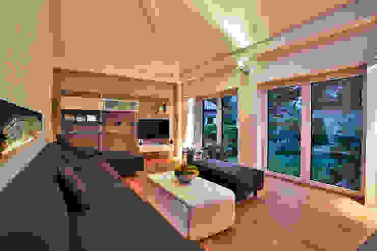 by K-MÄLEON Haus GmbH Modern