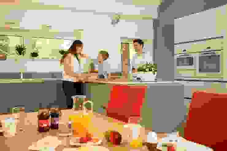 Modern style kitchen by K-MÄLEON Haus GmbH Modern