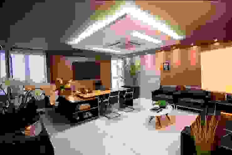 Arquitetura Ao Cubo LTDA Ruang Komersial Modern