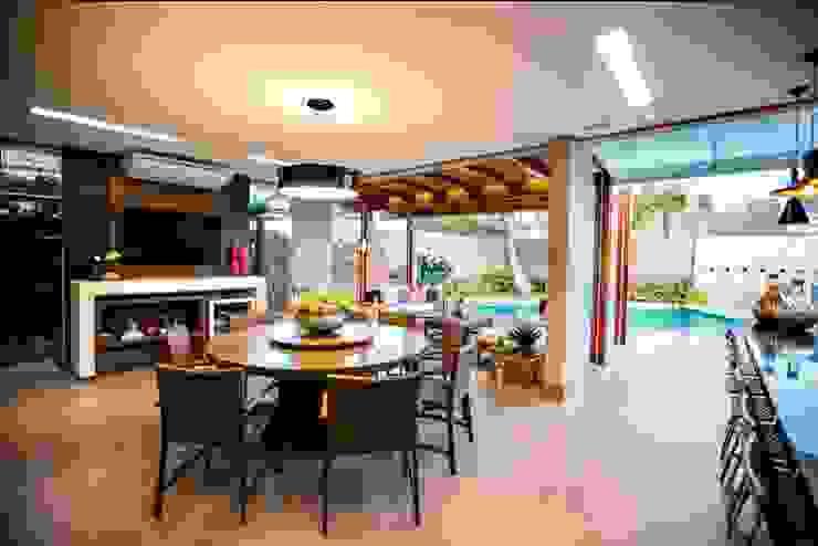 Comedores de estilo tropical de Arquitetura Ao Cubo LTDA Tropical