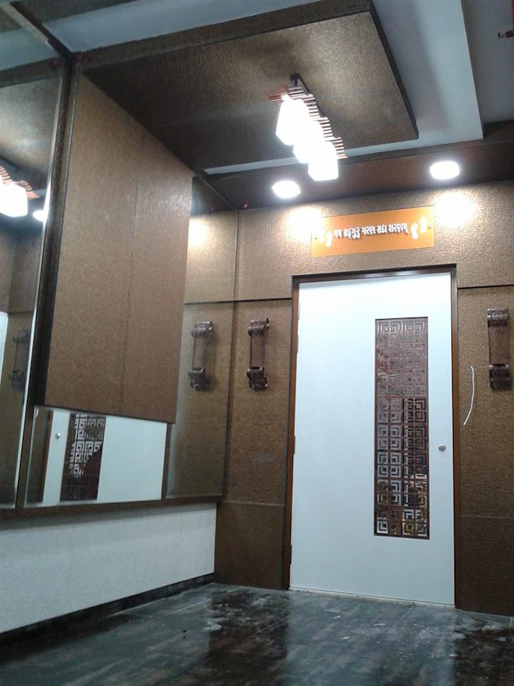Mr Kamdar 20th Floor Modern corridor, hallway & stairs by TRINITY DESIGN STUDIO Modern