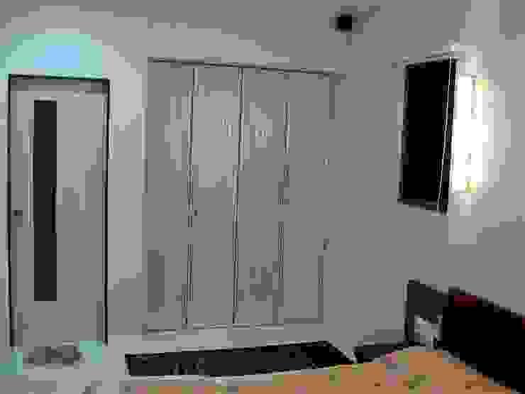 Residence Shivaji Park Modern style bedroom by TRINITY DESIGN STUDIO Modern