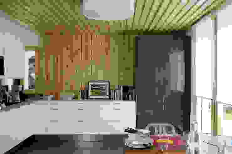 Livings modernos: Ideas, imágenes y decoración de NOEM Moderno