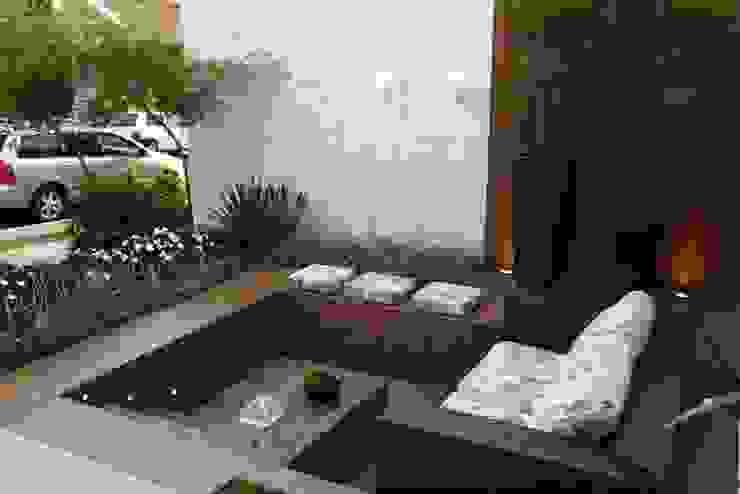 Balkon, Beranda & Teras Modern Oleh Arquitetura Ao Cubo LTDA Modern