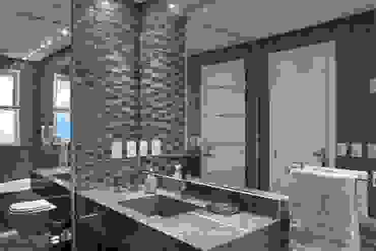 Baños de estilo minimalista de arquiteta aclaene de mello Minimalista Cerámico