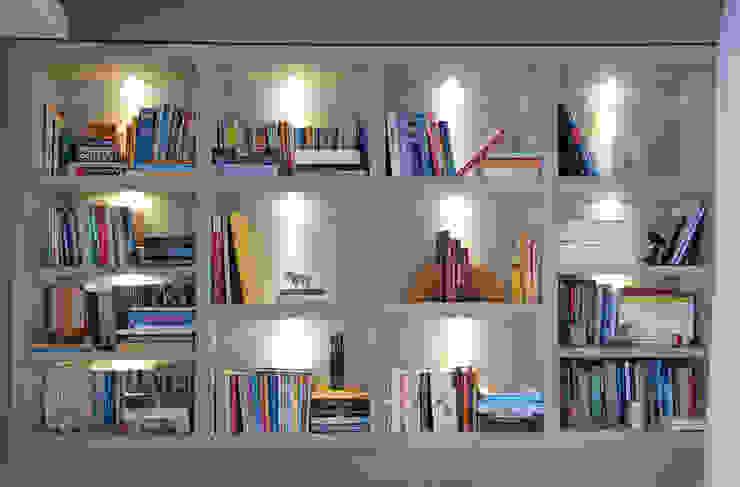 MONICA SPADA DURANTE ARQUITETURA Modern style study/office
