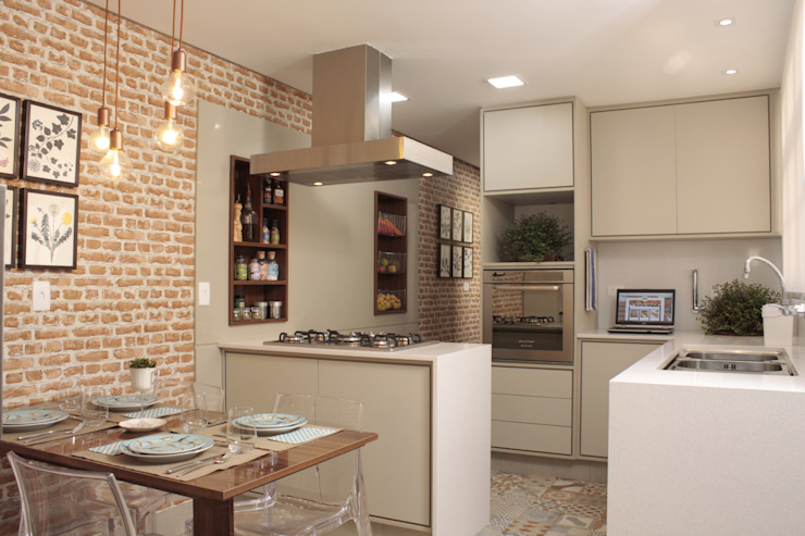Kitchen by Fernanda Moreira - DESIGN DE INTERIORES, Mediterranean