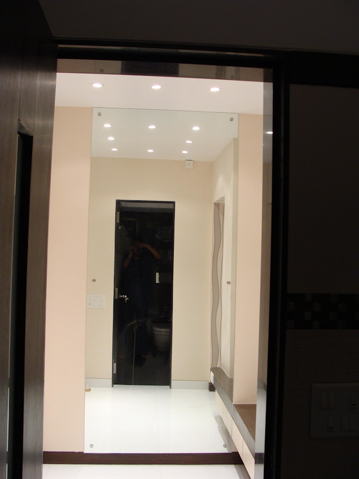 Shivaji Park Modern corridor, hallway & stairs by TRINITY DESIGN STUDIO Modern