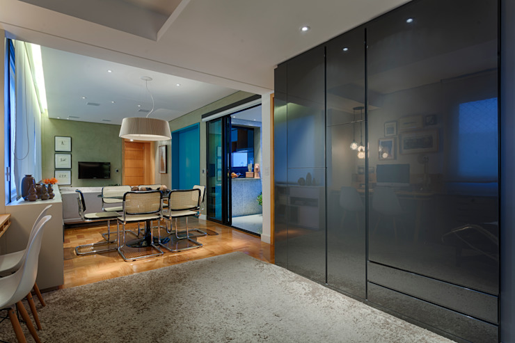 CoGa Arquitetura Ingresso, Corridoio & Scale in stile moderno