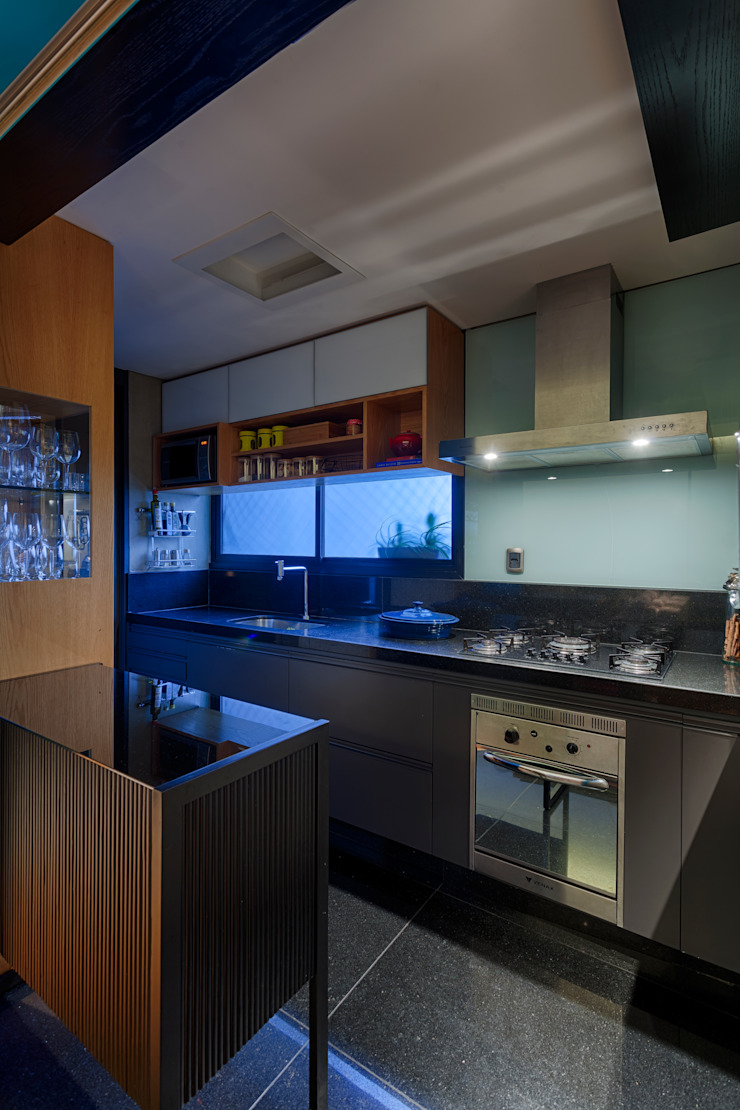 CoGa Arquitetura Modern style kitchen