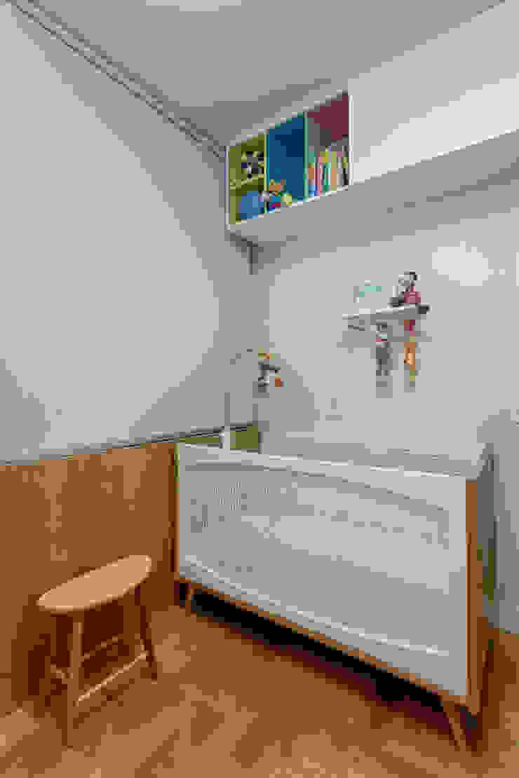 CoGa Arquitetura Stanza dei bambini moderna