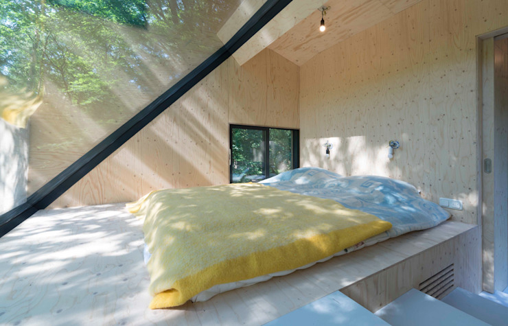 Modern style bedroom by Bloot Architecture Modern