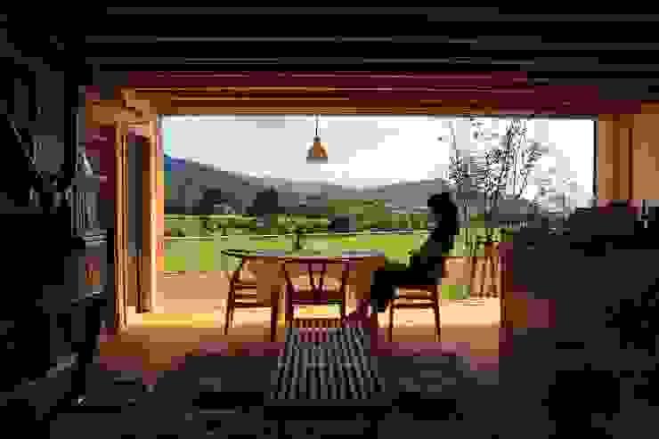 Living room by アーキテクチュアランドスケープ一級建築士事務所, Modern