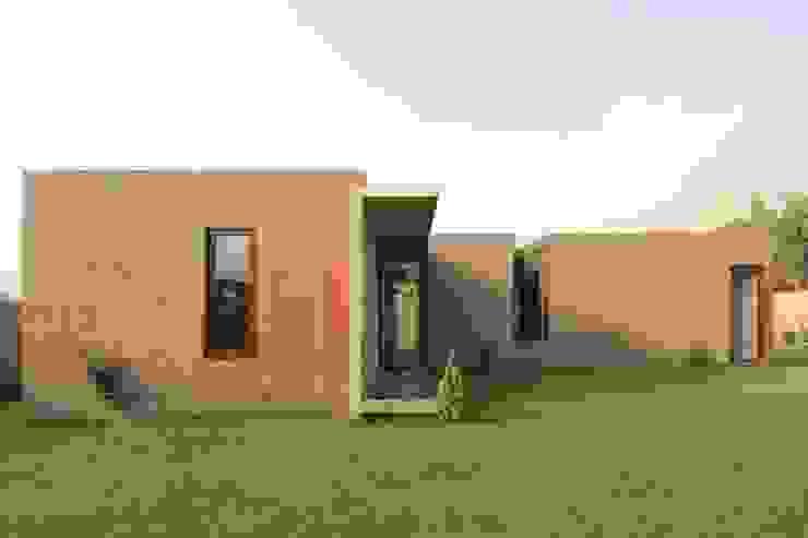 Rumah oleh Martin Dulanto, Modern