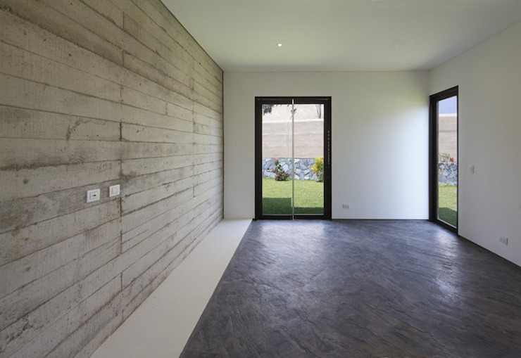 Casa oZsO Martin Dulanto Pasillos, vestíbulos y escaleras modernos
