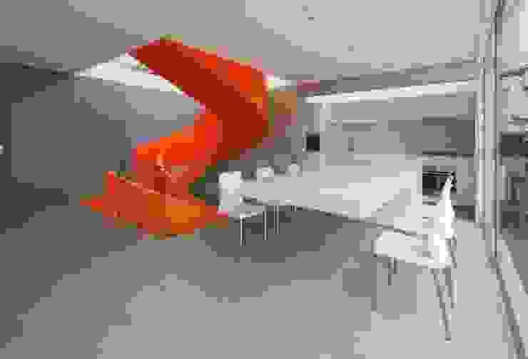 Casa Blanca Martin Dulanto Modern corridor, hallway & stairs