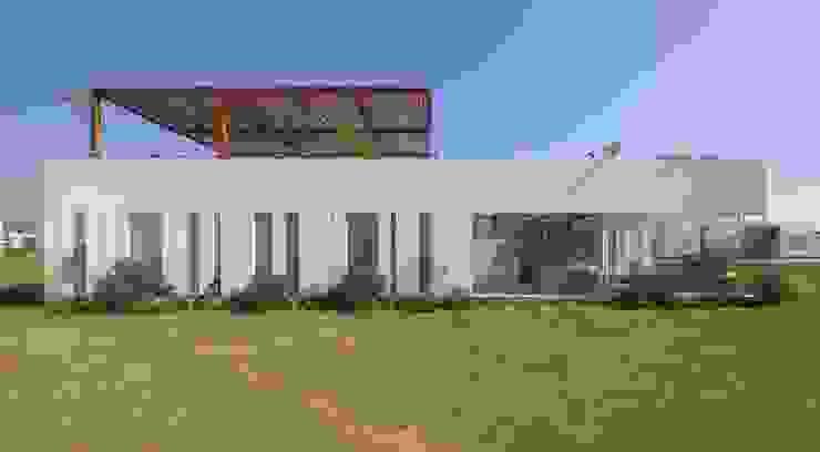 Casa Maple Casas modernas de Martin Dulanto Moderno