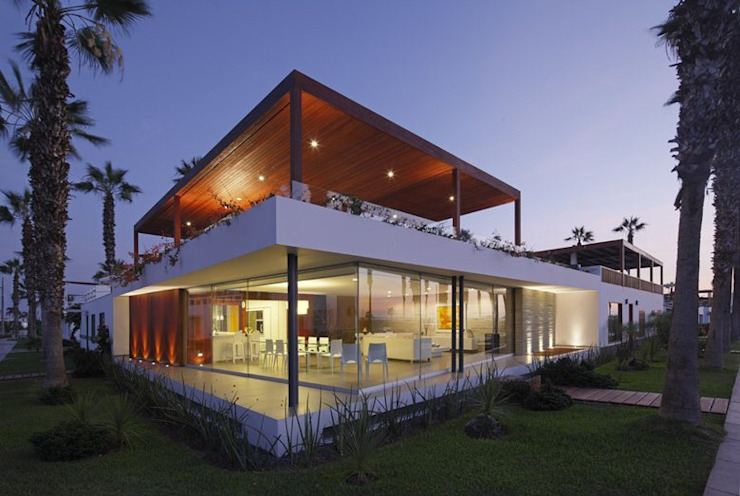 Casa P12 Modern houses by Martin Dulanto Modern