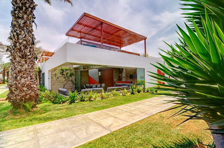 Casa Seta Modern houses by Martin Dulanto Modern