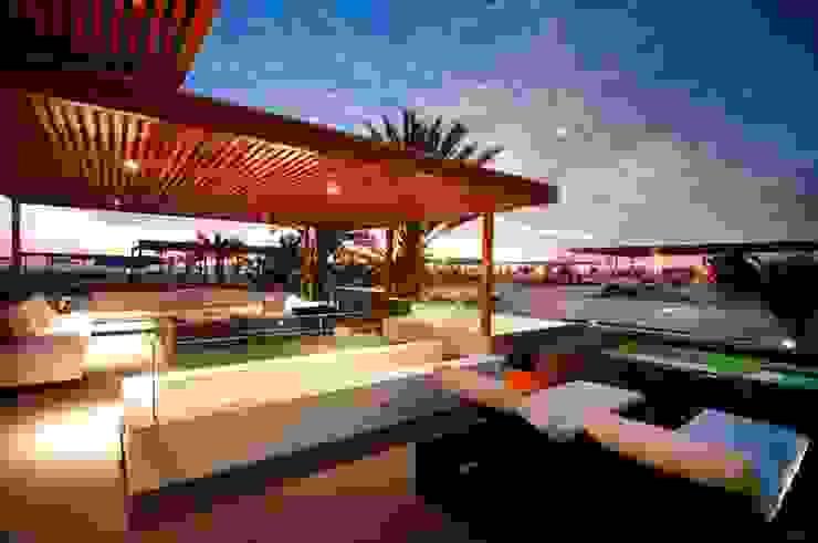 Casa Seta Casas de estilo moderno de Martin Dulanto Moderno