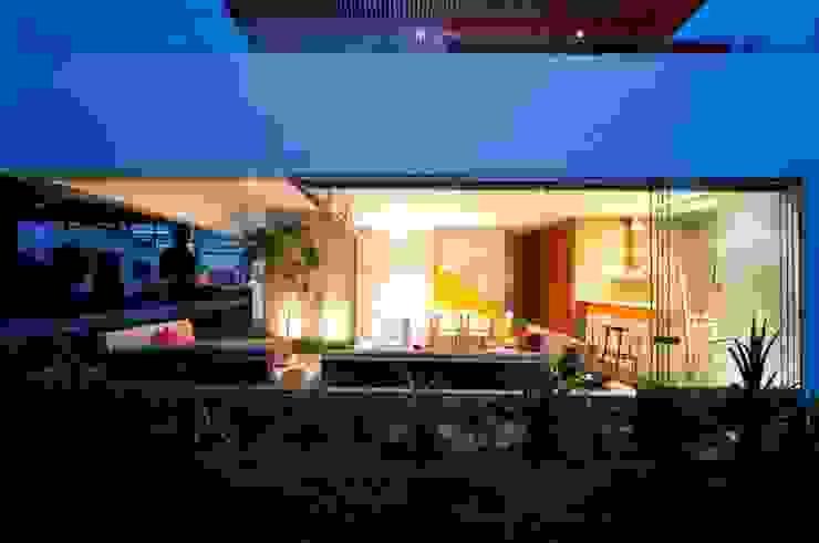 Casa Seta Casas modernas: Ideas, diseños y decoración de Martin Dulanto Moderno