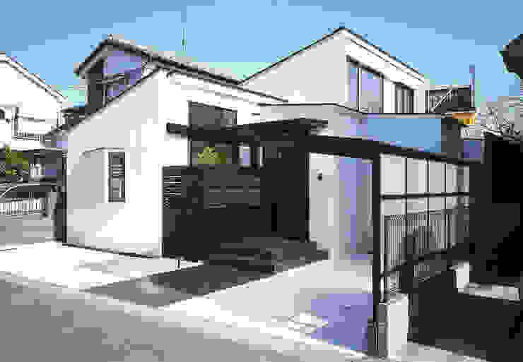 フラットハウス Maisons modernes par 株式会社横山浩介建築設計事務所 Moderne