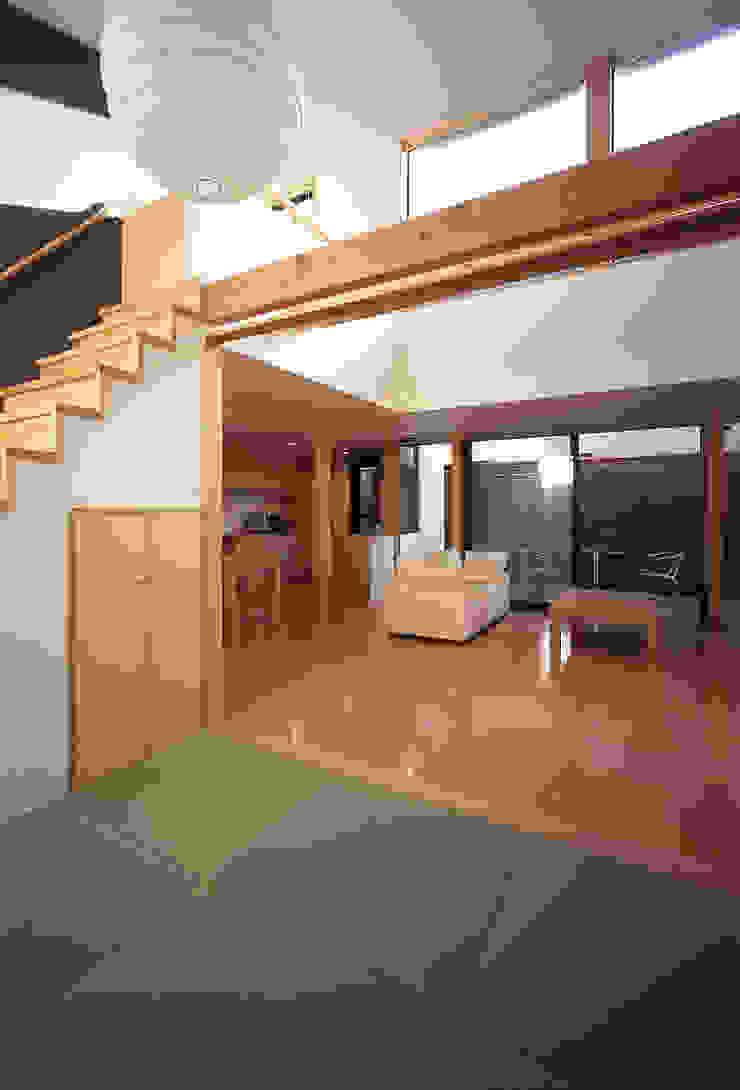 フラットハウス Modern Koridor, Hol & Merdivenler 株式会社横山浩介建築設計事務所 Modern