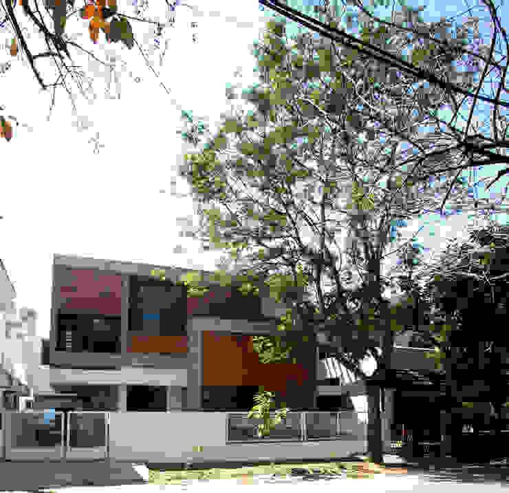 Sharma House Minimalist houses by Kamat & Rozario Architecture Minimalist