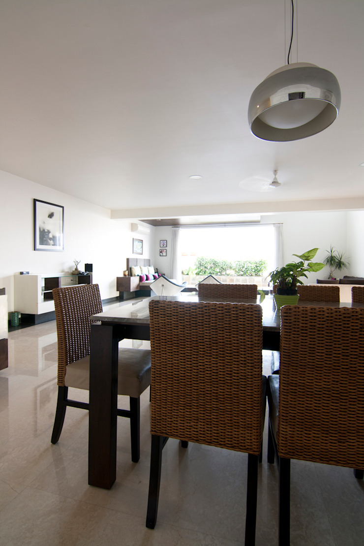 Hazel Penthouse Minimalist dining room by Kamat & Rozario Architecture Minimalist