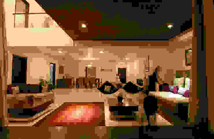Hazel Penthouse Minimalist living room by Kamat & Rozario Architecture Minimalist