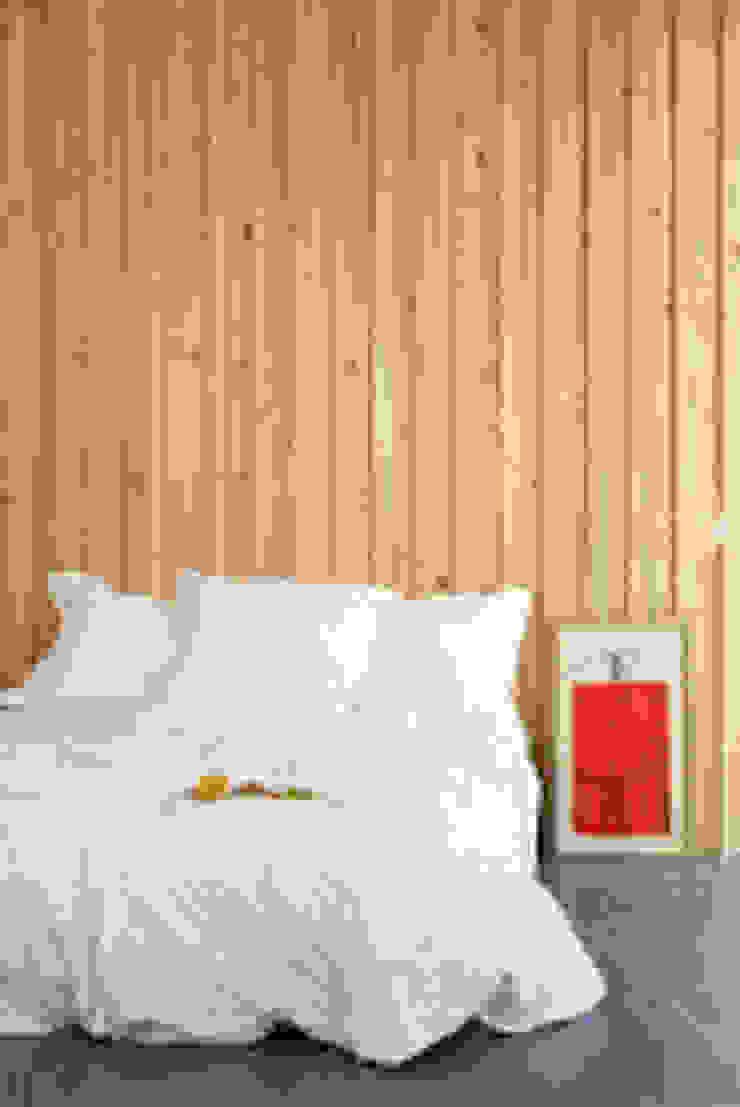 NOEM Modern style bedroom