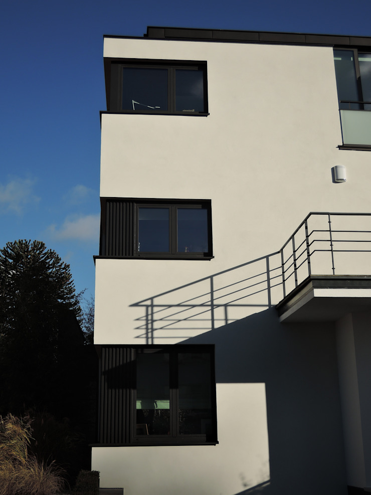 ARTERRA 現代房屋設計點子、靈感 & 圖片 鋁箔/鋅 White