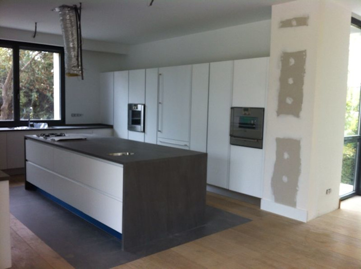 Rochene Floors Modern kitchen